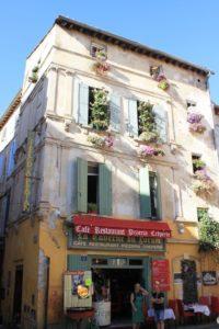 balconi decorati Arles