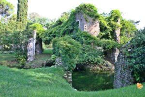 scorci del giardino a cisterna di latina